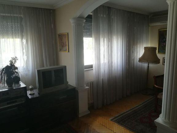 Odličan stan u Savskoj ulici
