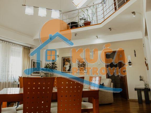 Na prodaju Duplex 138m2, Centar, cena 123.600