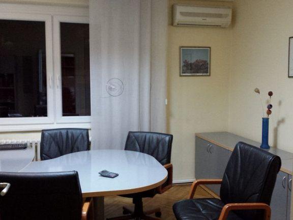 Zvezdra, Lion, 86m2 sa kancelarijskim nameštajem ID 95-1