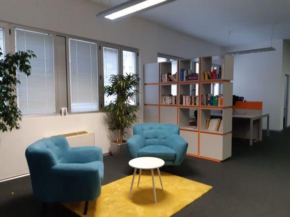 Izdaje se poslovni prostor 360m2 u Knez Mihajlovoj