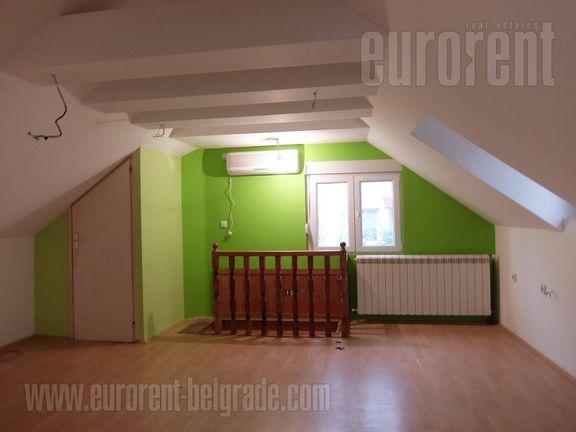 #42023, Izdavanje, P.P., ŽARKOVO, 800 EUR