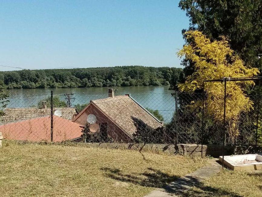 Vikendica sa pogledom na Dunav
