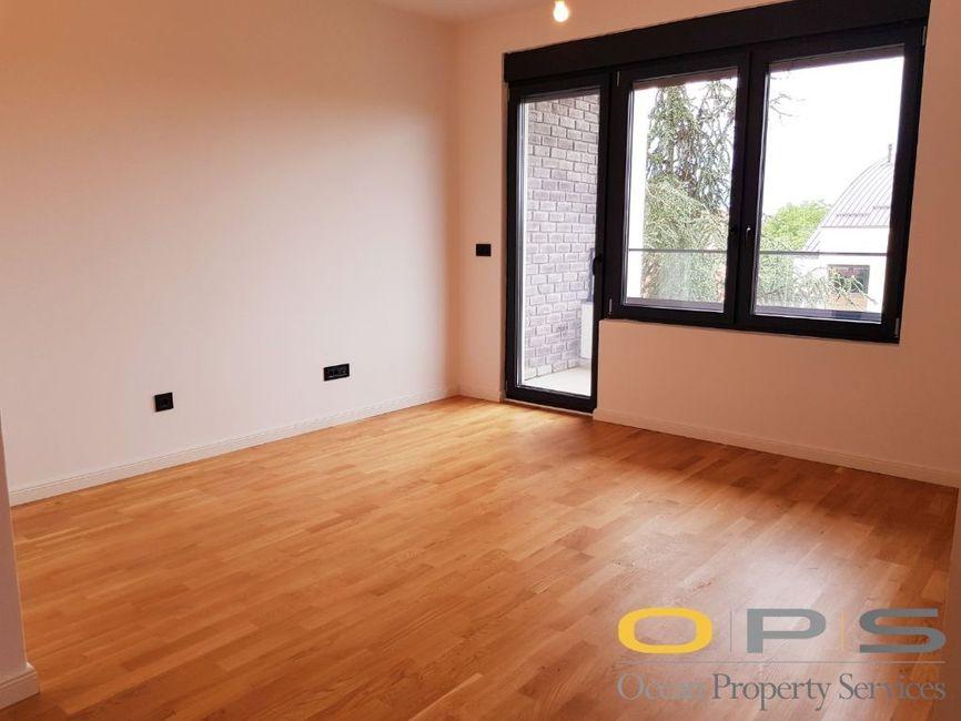 Dvoiposoban stan, LUX novogradnja, 1.800 EUR, Banijska ulica