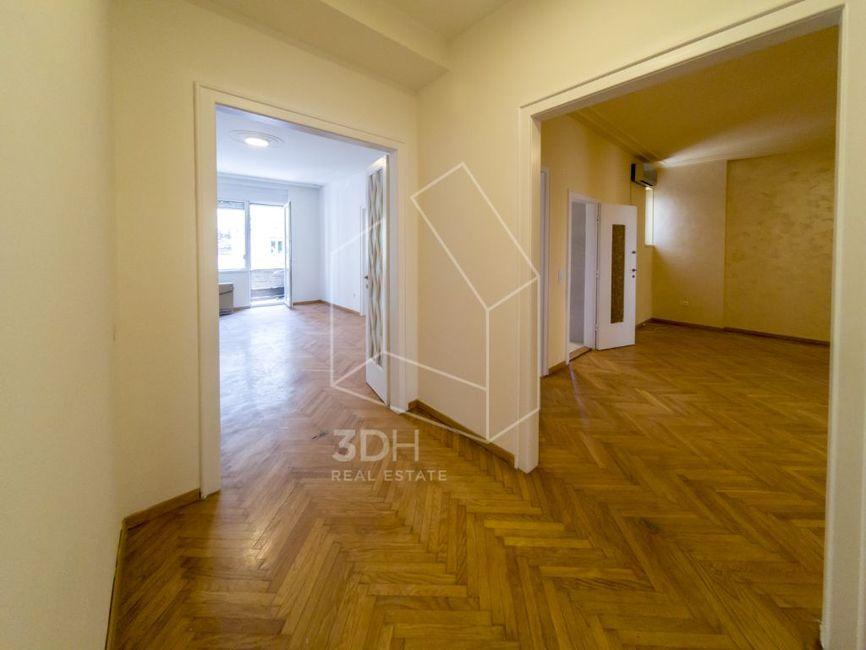 Vračar, Krunska 4.0 salonski, 125m2 renoviran