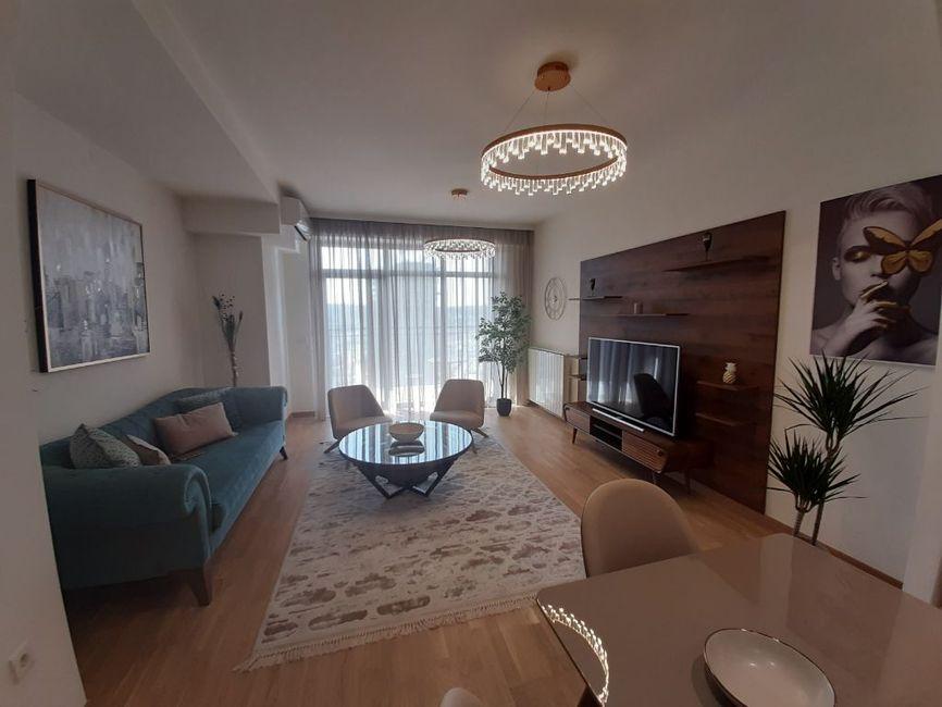 Izdajem LUX 3,0 stan u BW,useljiv,kompletno namešten,1500eura