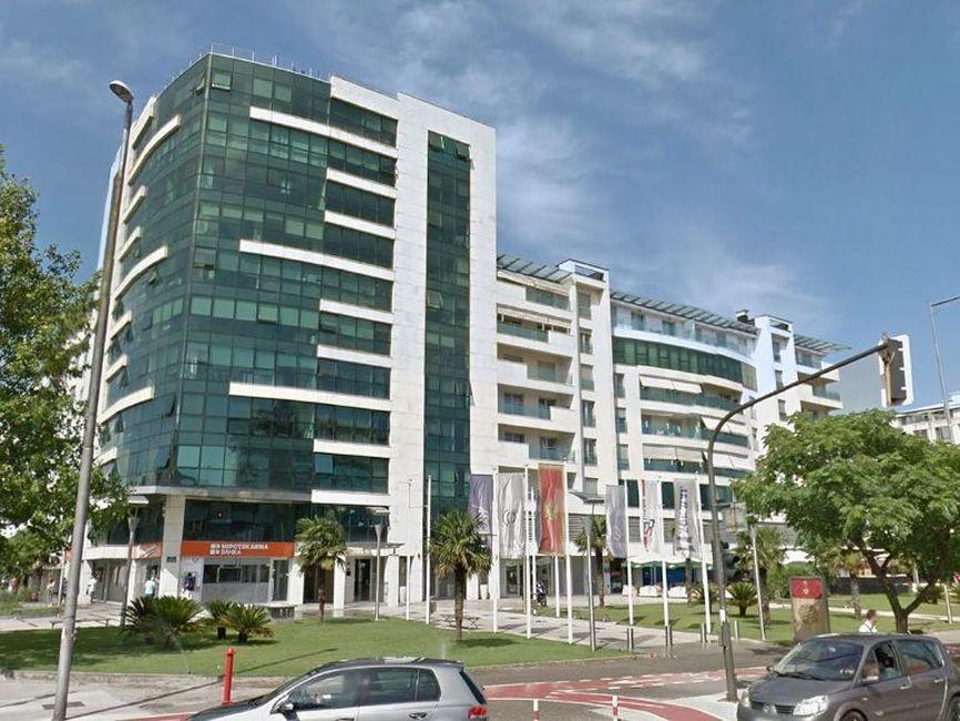 Podgorica,  bulevar Sv. Petra Cetinjskog  –  ekskluzivan dvosoban apartman 142m2
