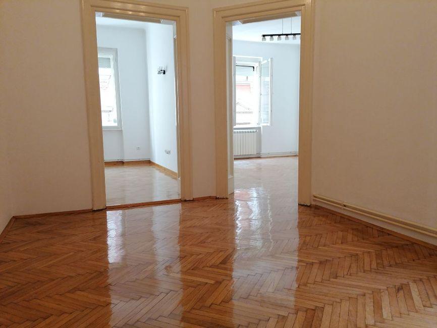 Poslovni prostor 50m2, Trg Republike - Vasina